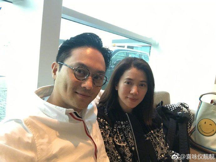 張智霖袁詠儀的兒子竟然一直不知爸媽是大明星。圖/摘自微博