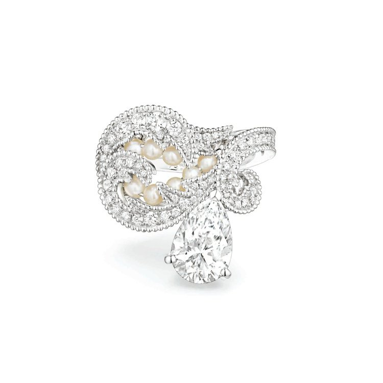 Valses dhiver戒指,白金鑲嵌一顆重2.02克拉水滴形切割DIF鑽石、...