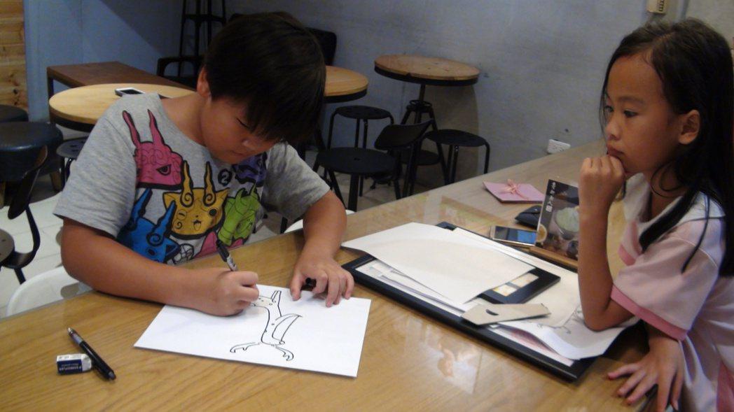 很有自我主張的吳培瑋,繪畫天賦過人。記者王昭月/攝影