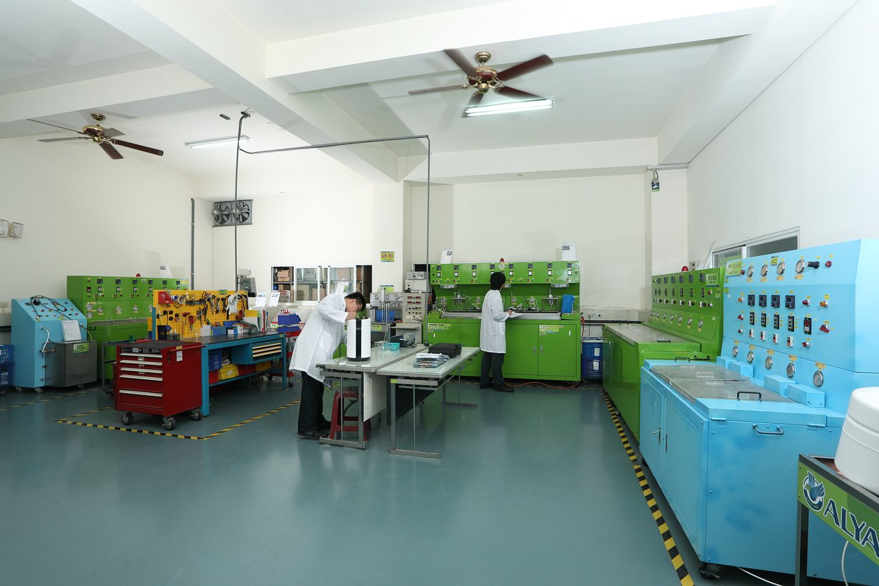 益銳為了品質控管,投下數百萬建構專用實驗室。 楊鎮州/攝影