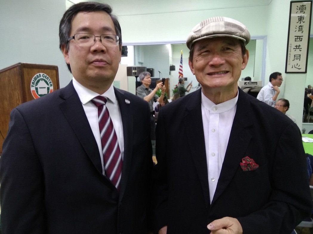 台灣加入聯合國宣達團團長蔡明憲(右),台灣人公共事務會會長陳正義(左)。 中央社