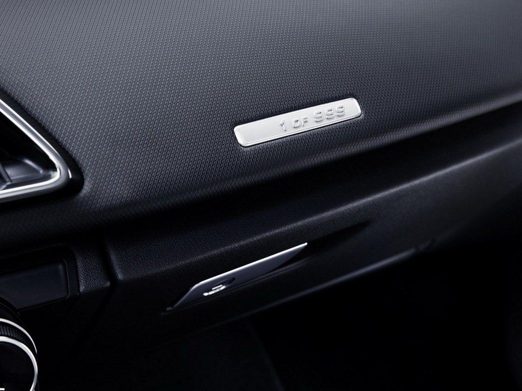 Audi R8 RWS的誕生是為了提供給純粹喜歡車輛操控駕馭的人,限量999輛,包含Coupe 和Spyder車型。 圖/台灣奧迪提供