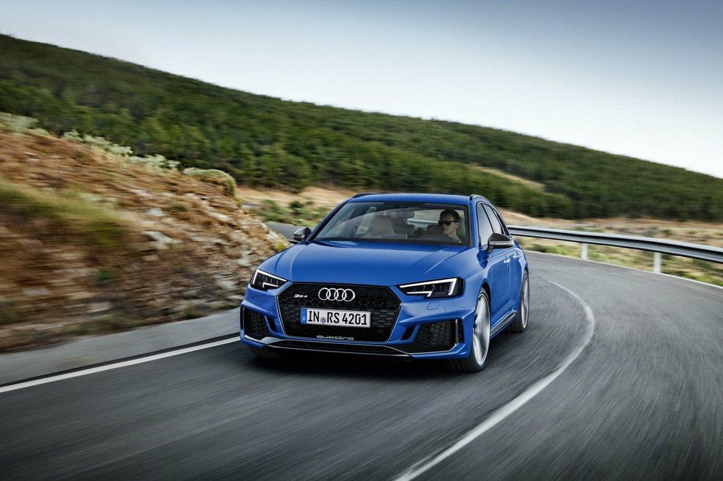 全新RS 4 Avant將再次以Audi匠心獨具的極致先驅進化科技,重新定義未來。 圖/台灣奧迪提供