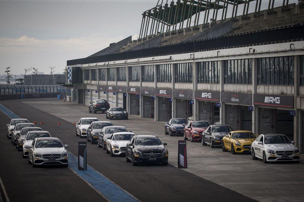 2017年「AMG Driving Academy」AMG駕駛學院組成最大馬力3...