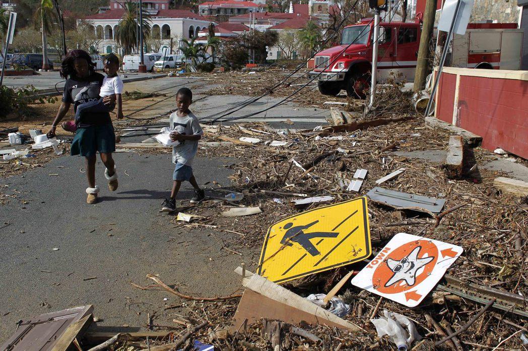 美屬維京群島的聖托馬斯島遭「厄瑪」颶風肆虐。(美聯社)