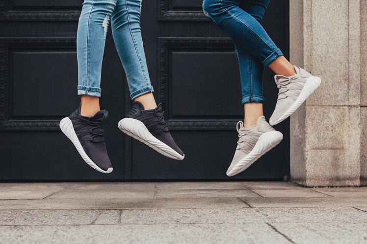 全新Tubular DAWN女鞋,每雙售價4,890元。圖/adidas Ori...