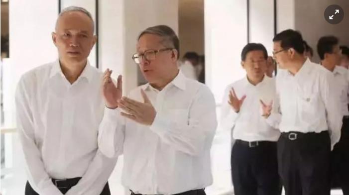 北京市委書記蔡奇(左一)和天津市委書記李鴻忠(左二)會晤。(北京日報)