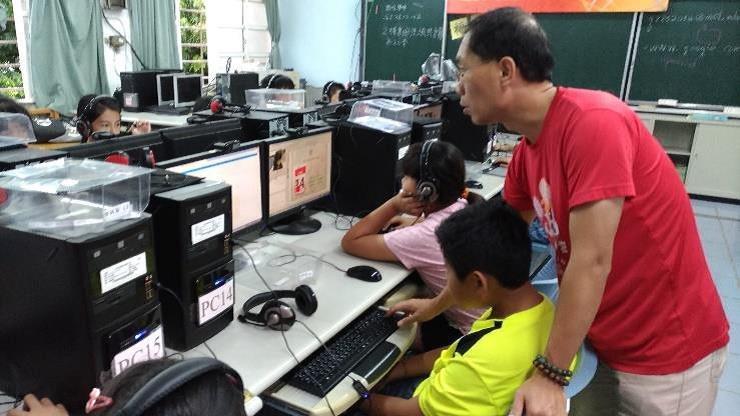 教育部數位學伴計畫透過網路,搭起大學生與偏鄉學童的生命經驗。圖/教育部提供