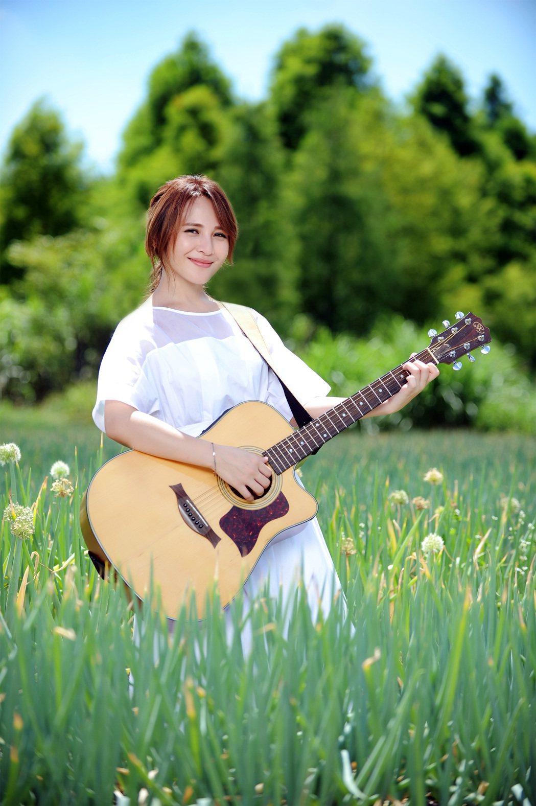 梁文音推出新單曲「自然の顏」。圖/環球唱片提供
