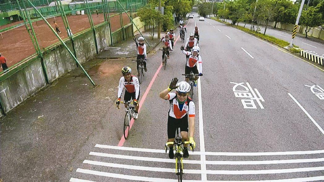 彰化自行車專用道少,大都是共用車道。 記者林敬家/攝影
