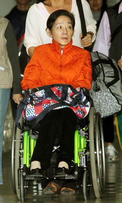 去年陳水扁收到雙十國慶典禮的邀請,夫人吳淑珍曾表示:「阿扁坐在馬英九旁邊會不自在...