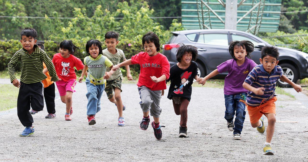 偏鄉孩子教育程度,有賴政府真正的關心。圖/聯合報系資料照片