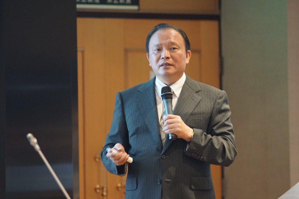 林聰賢指出,提高漁獲價值是農委會的主要工作,確保食品衛生安全也責無旁貸。他要求漁...