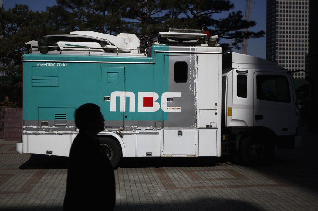 南韓電視新聞界要真正擺脫權力干預,看似還有很長一段路要走。 圖/路透社
