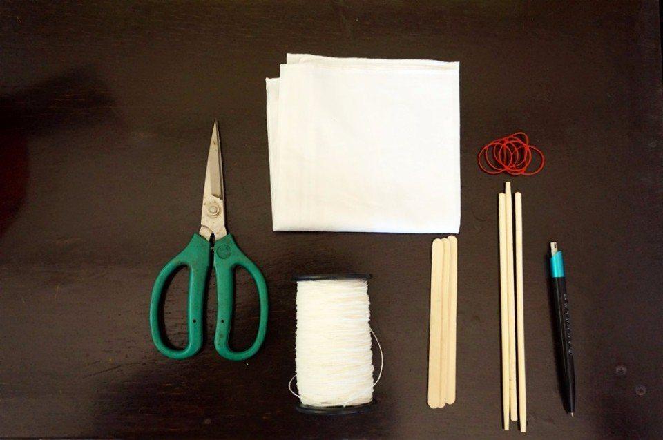 簡單的工具就能變出美麗的花布。(攝影/林郁姍)