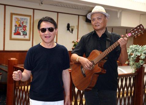 寶島歌王葉啟田下午舉行演唱會加場記者會,並當場揮毫「一條活龍」,澄清罹患失智症危機。
