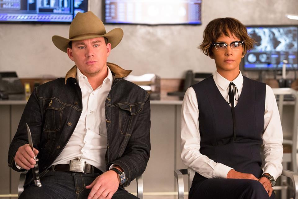 查寧坦圖(左)及奧斯卡影后荷莉貝瑞(右)加盟演出「金牌特務:機密對決」。圖/福斯...