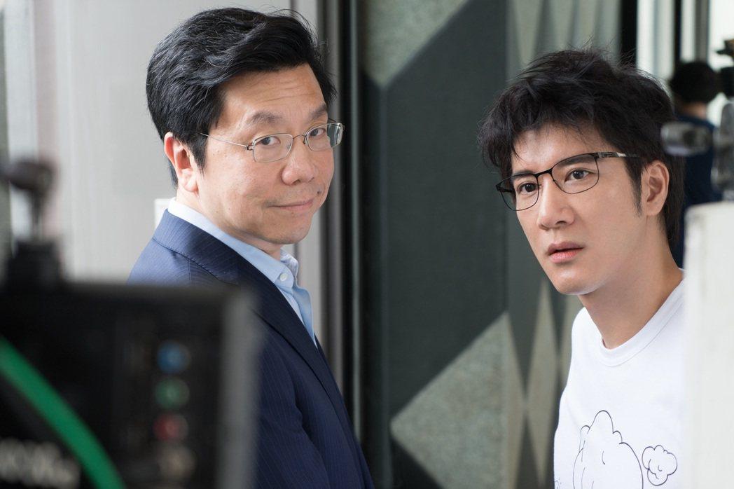 王力宏(右起)拍MV,請到科技前輩李開復。圖/宏聲提供