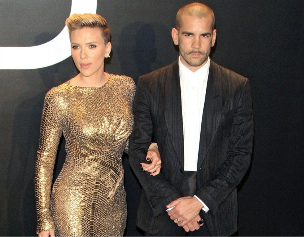 思嘉莉約翰森和法籍丈夫荷曼已離婚生效,正式分道揚鑣。圖/歐新社資料照