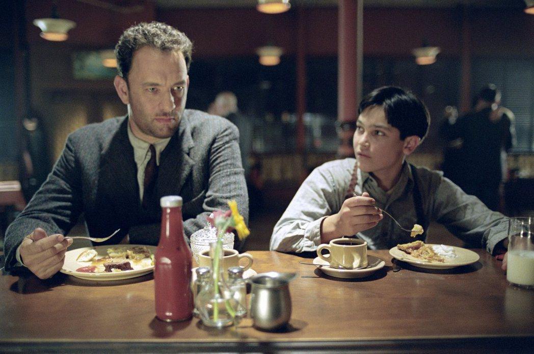 泰勒賀克林在「非法正義」演湯姆漢克斯的兒子。圖/摘自imdb