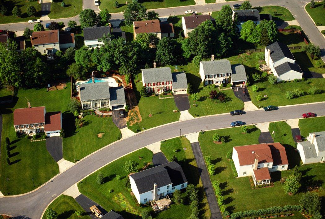 示意圖。部分房地產買家首購標的轉向海外地區,房仲表示,國人海外首購房地產不易辦理...