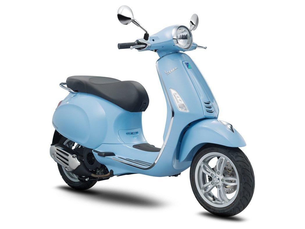 Primavera 150 i-get ABS晴空藍。圖/Vespa提供