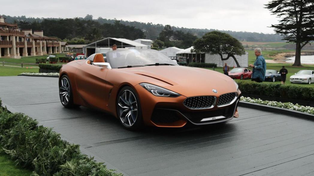 在八月中旬的圓石灘車展,就已先曝光的BMW Concept Z4。 摘自BMW
