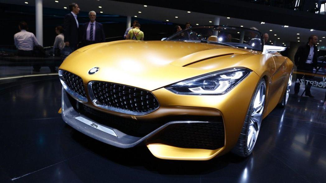 BMW Concept Z4 類似鯊魚氣息的車頭。 摘自BMW