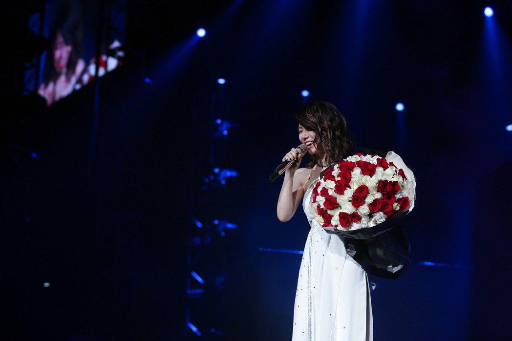 鄧紫棋「Queen of Hearts」回到香港, 有歌迷求婚。圖/蜂鳥音樂提供