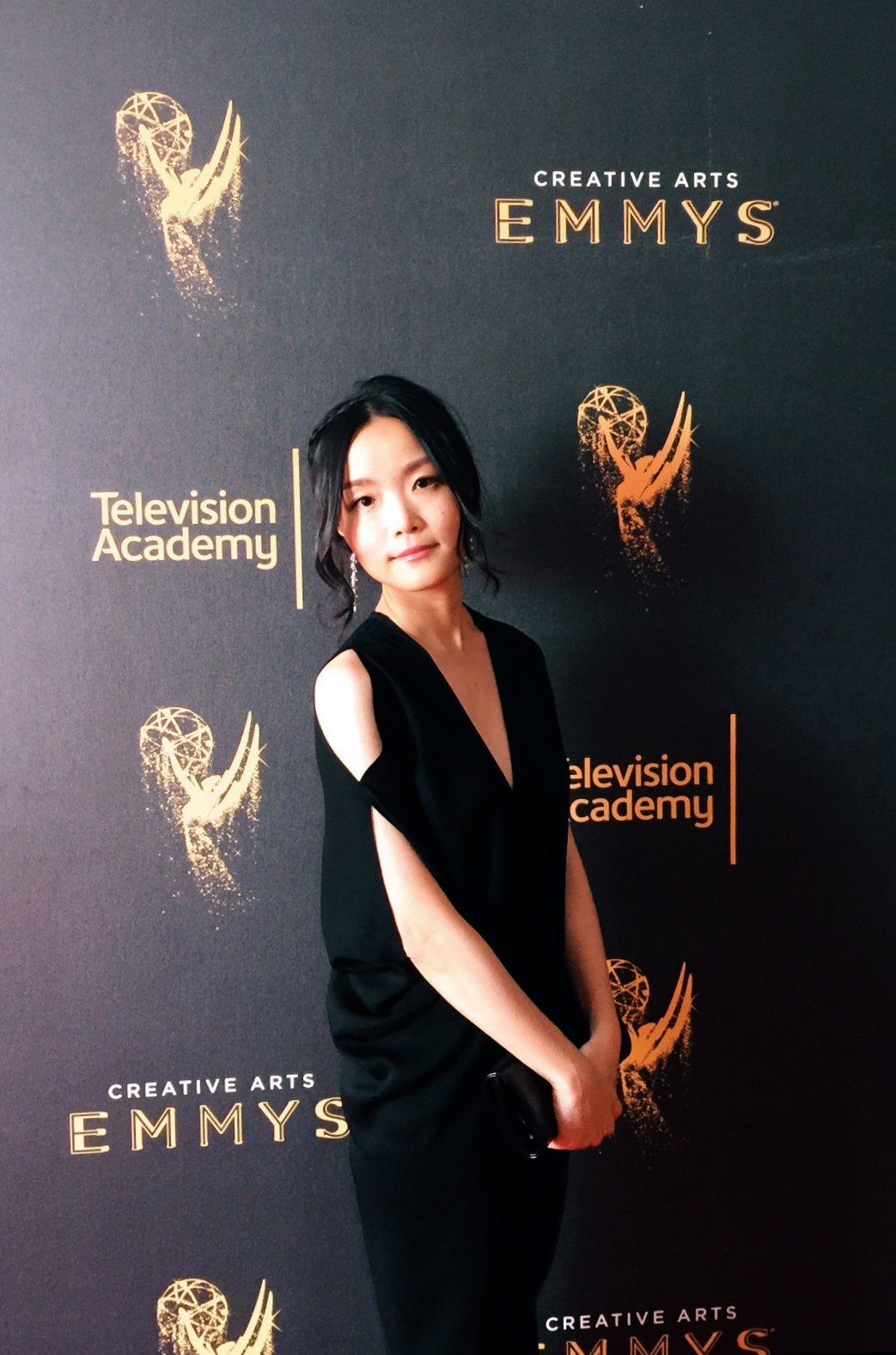 台灣設計師左家琪為知名美劇「宿敵」設計片頭畫面,入圍本屆艾美獎。圖/左家琪提供