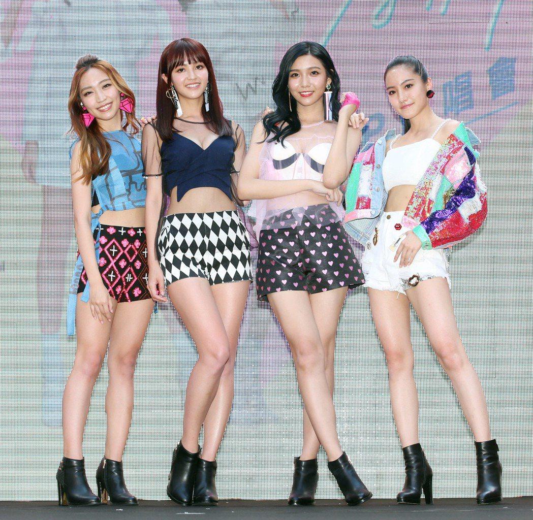 新女團「IVI」首張 EP舉辦簽唱會。記者陳瑞源/攝影