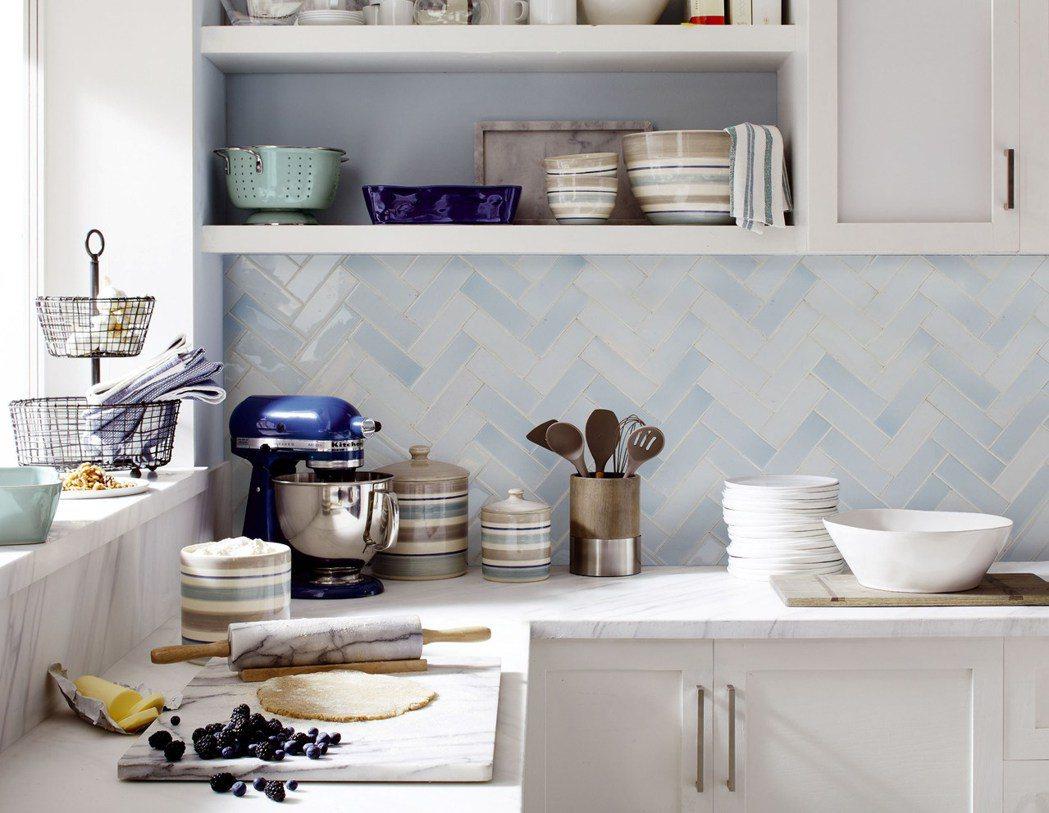 善用廚房的烹飪烘焙工具,讓照片有了生活真實感。圖/Crate and Barre...