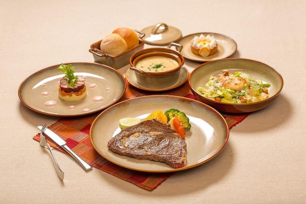 國賓大飯店於阿眉快餐廳供應的小A CUT套餐,每份899元。圖/國賓大飯店提供
