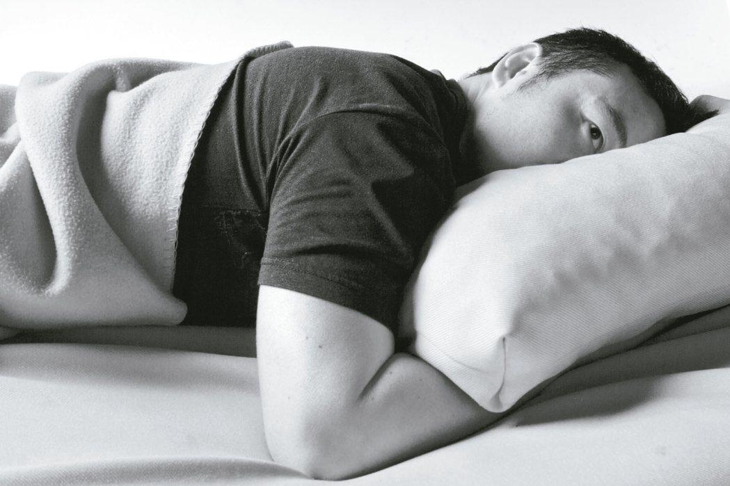 「一早醒來,就開始擔心晚上難以入眠」 報系資料照