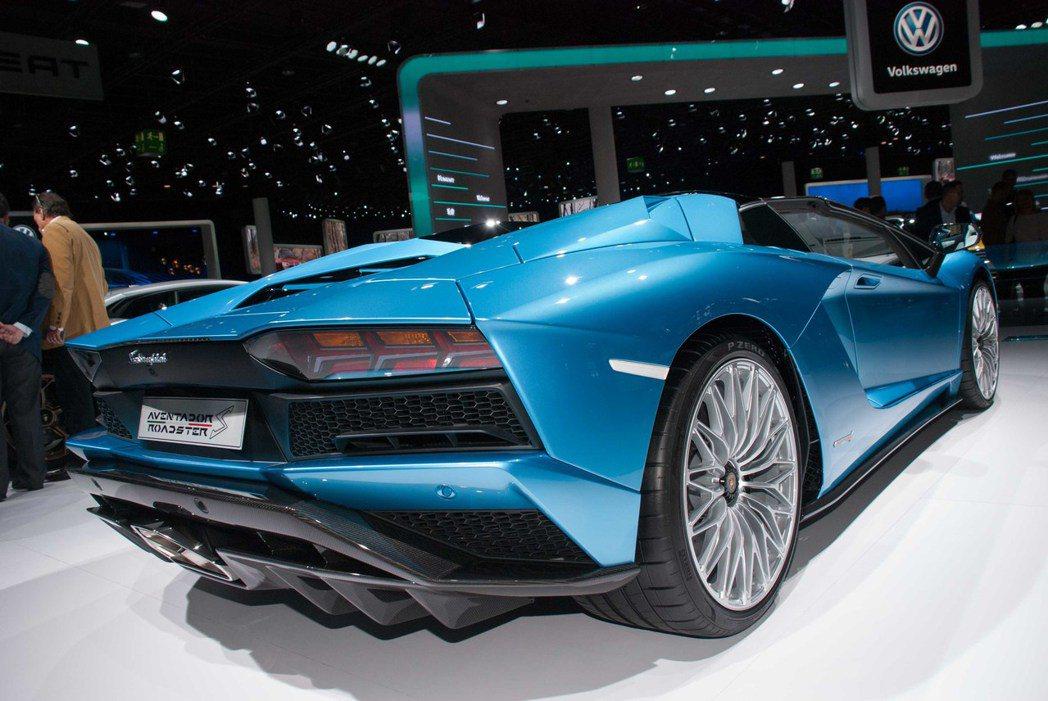 Lamborghini Aventador S Roadster。記者林昱丞/攝...