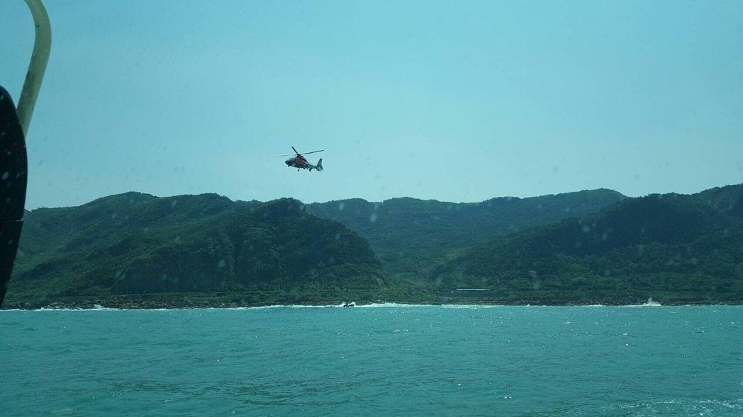 基隆大武崙海域一早傳出2件溺水案,目前正全力搜救中。記者曾健祐/翻攝