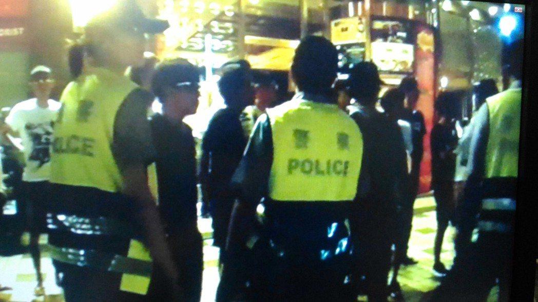 台南市中西區錢櫃KTV今天凌晨1點多發生兩派客人酒後打群架互毆糾紛。圖/翻攝畫面