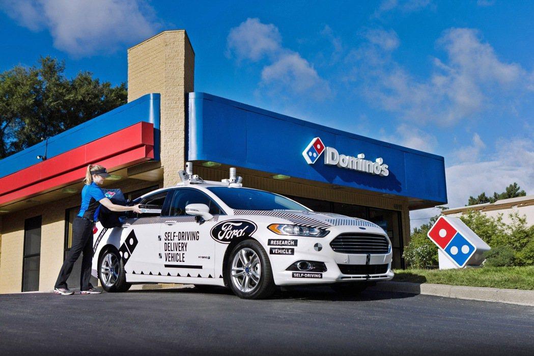 Ford及達美樂披薩正開始研究和瞭解顧客對於自動駕駛車輛在未來餐飲外送產業的前瞻...