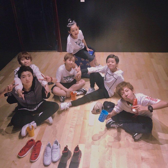 最萌嘻哈少年團BOY STORY,由6位平均年齡12歲的男孩所組成。圖/EMI提