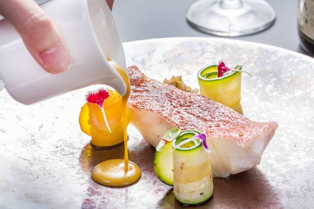 時令鮮魚選用馬爾地夫野生馬列紅條製作。圖/新竹國賓飯店提供