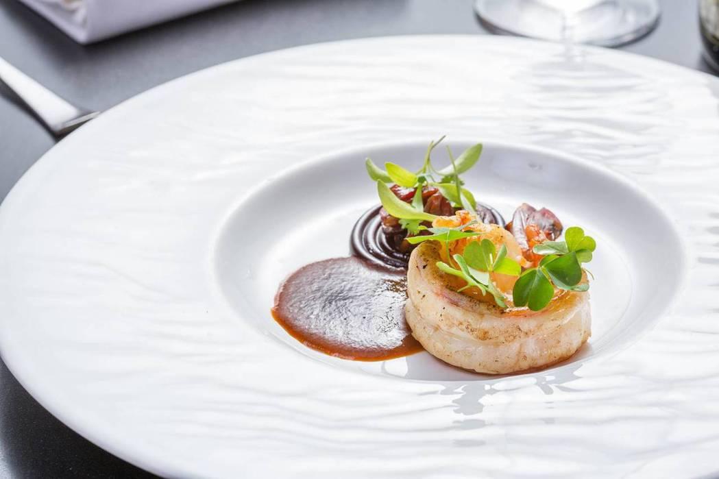 香煎虎蝦帶有濃郁海味。圖/新竹國賓飯店提供