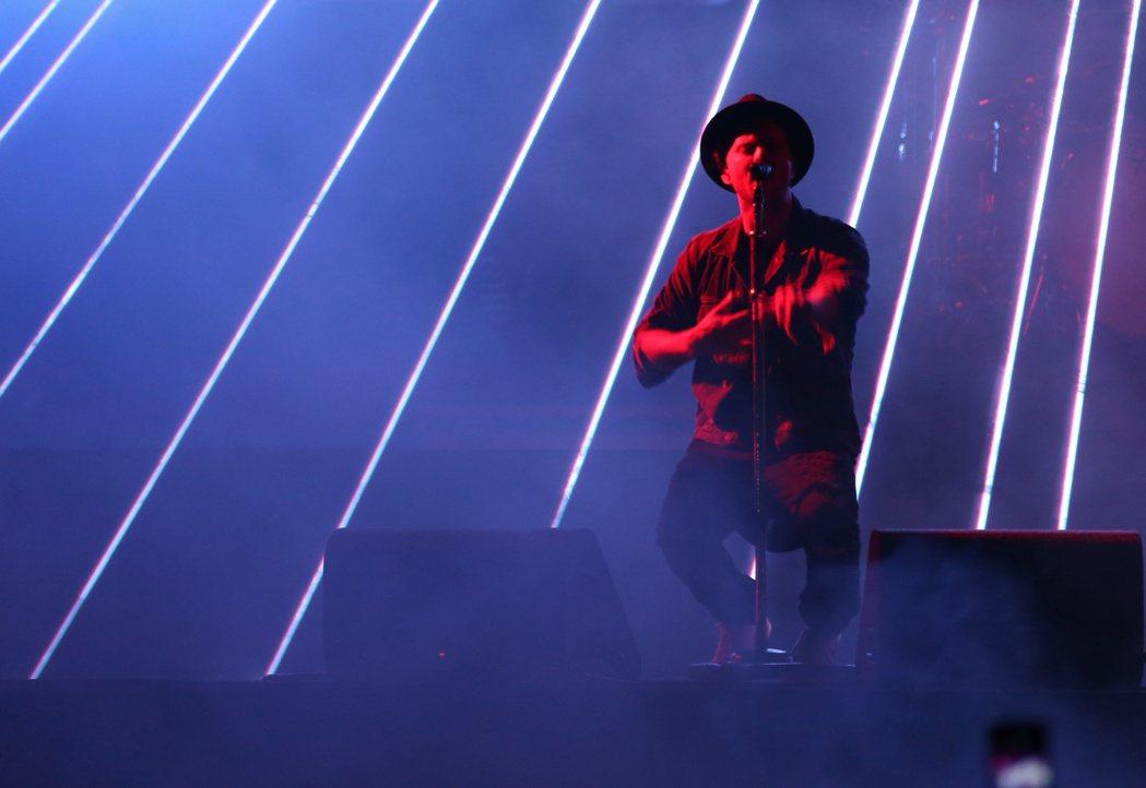 美國新生代搖滾天團「共和世代」17日晚首度在台北開唱。記者陳立凱/攝影