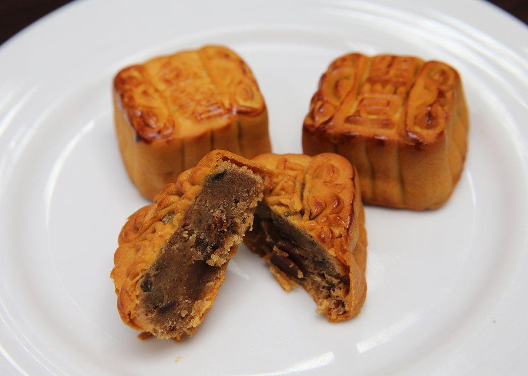 台北老爺大酒店月餅-古早滷肉月餅。記者徐兆玄/攝影