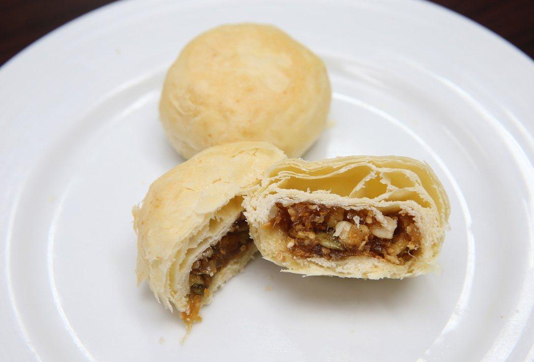 台北福華飯店月餅-五穀蔓越莓月餅。記者徐兆玄/攝影