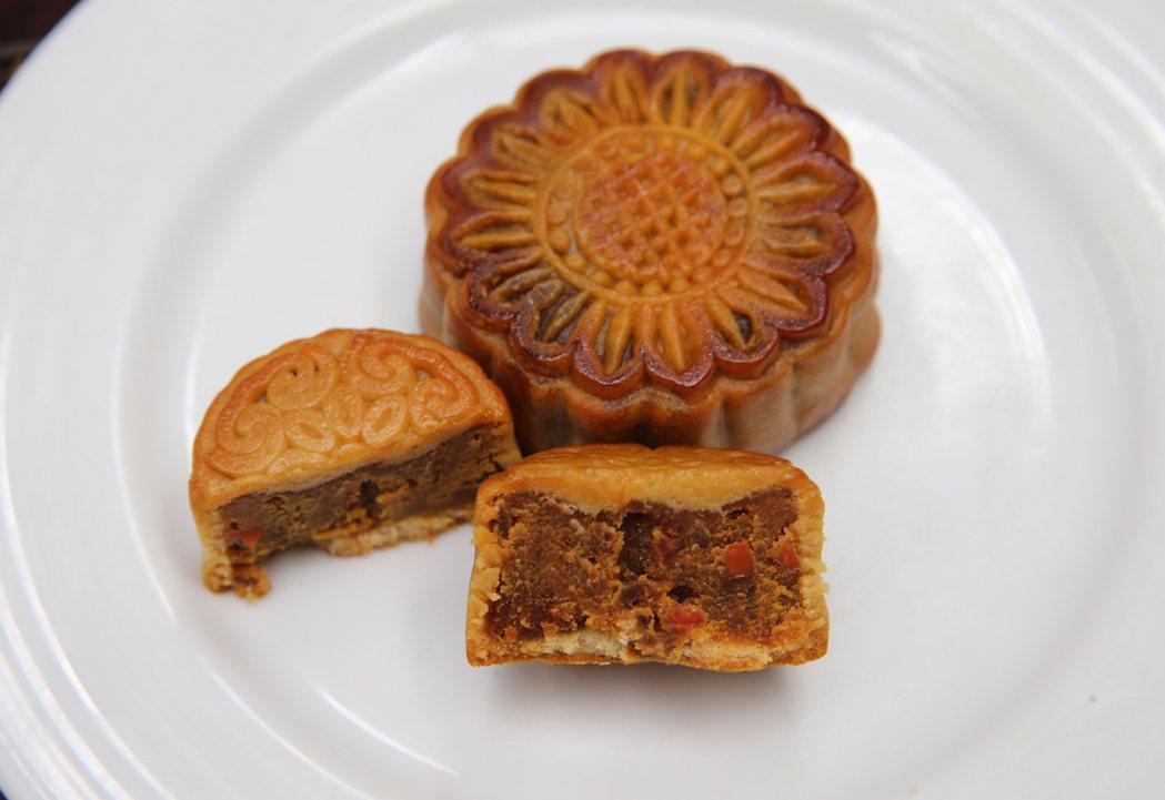 台北美福飯店月餅-咖哩紅蘿蔔月餅。記者徐兆玄/攝影