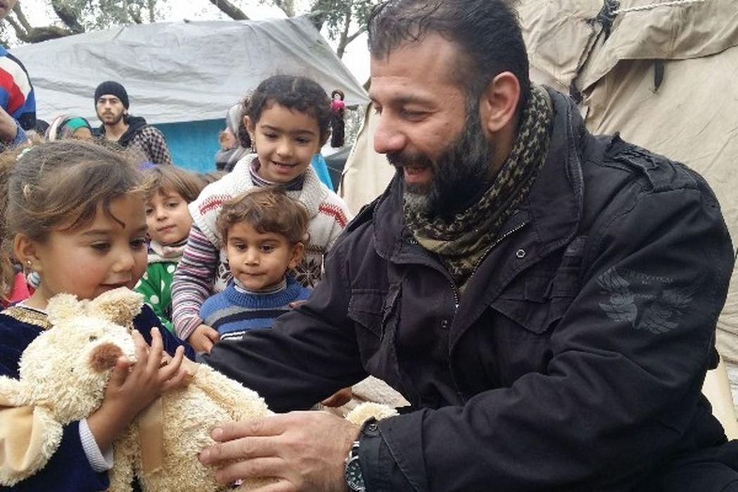 芬蘭籍敘利亞裔的艾德翰人稱「阿勒坡玩具走私客」。圖/取材自gofundme.co...