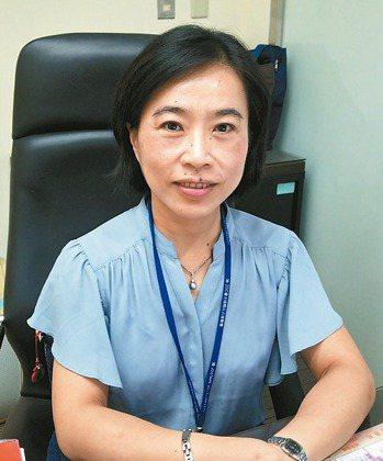 台北市政府消保官楊麗萍在第一線,為民眾消費權益把關。 記者莊琇閔/攝影