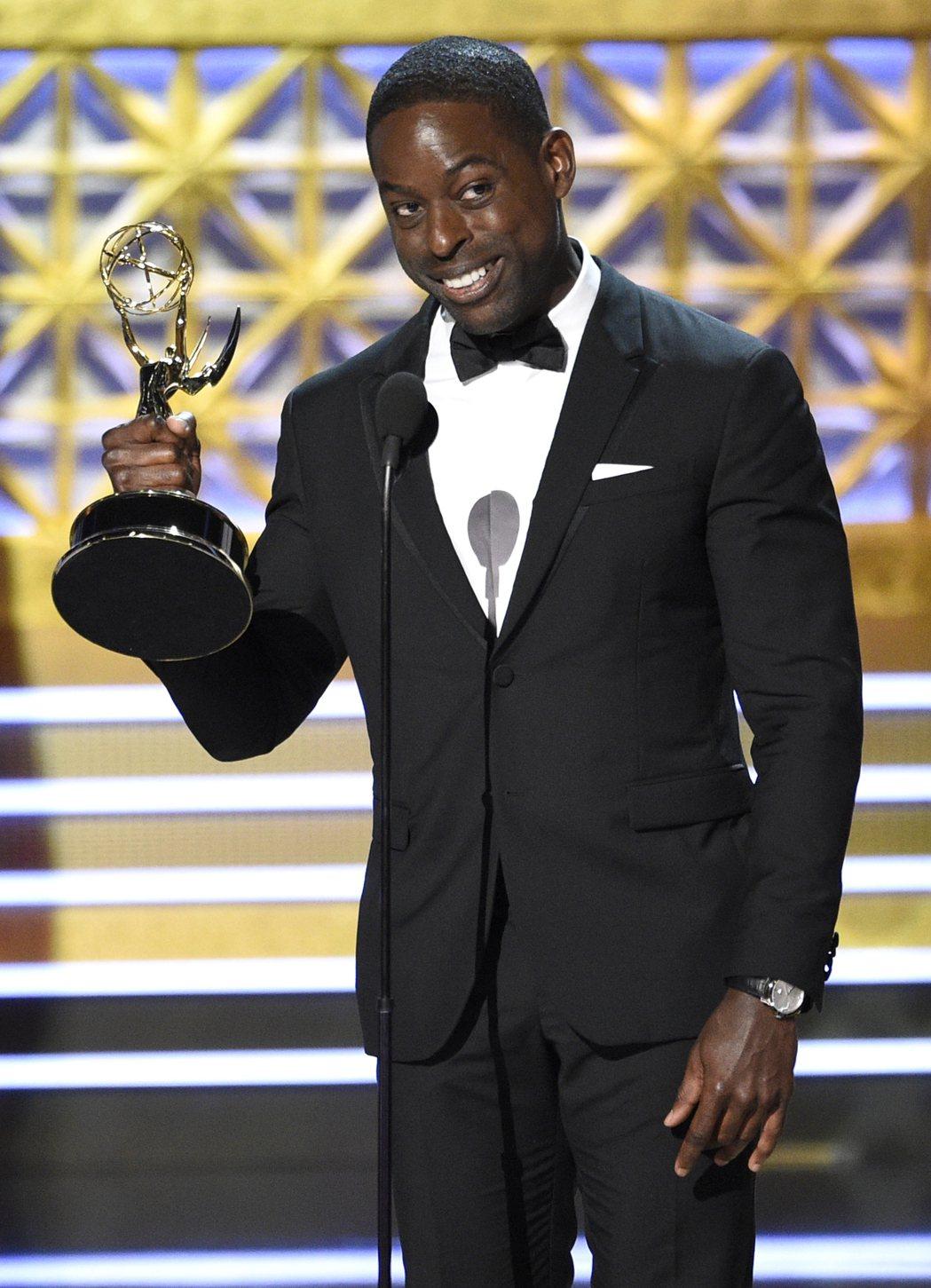 黑人男星史特林艾朗以「這就是我們」拿下劇情類影集最佳男主角。 圖/美聯社