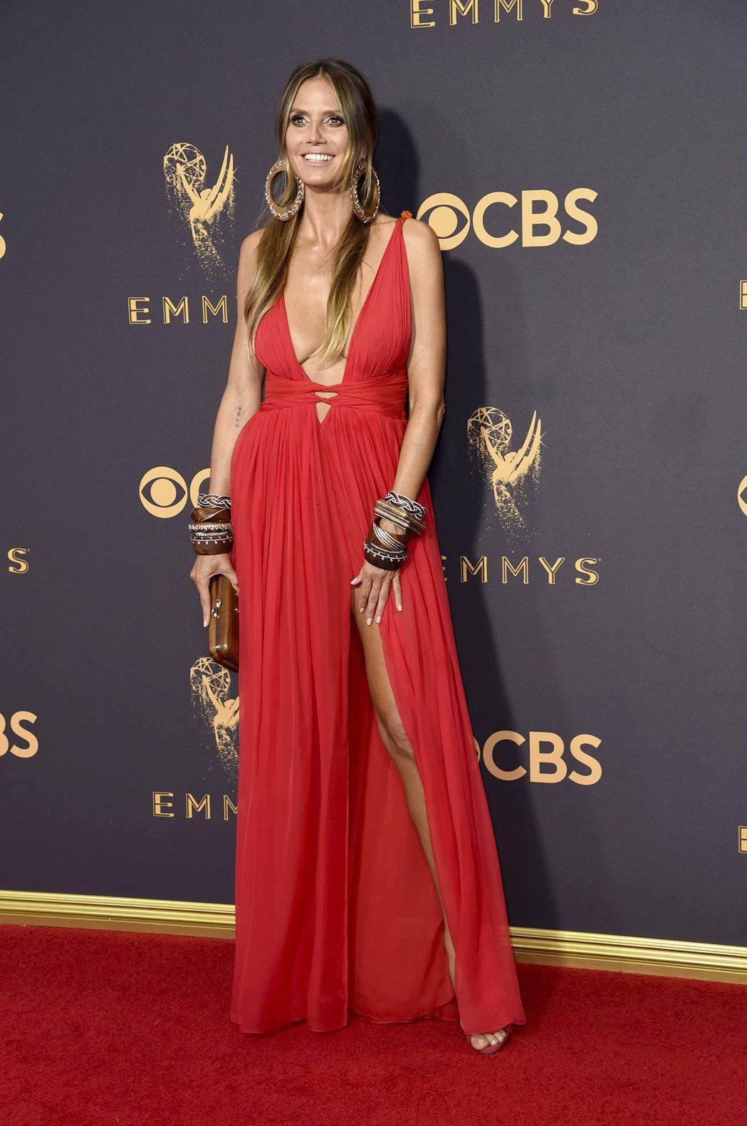 海蒂克隆出席第69屆電視艾美獎紅毯。 圖/美聯社