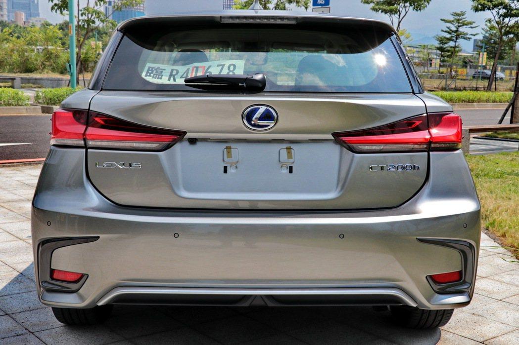 Lexus CT200h豪華型外觀。 記者陳威任/攝影